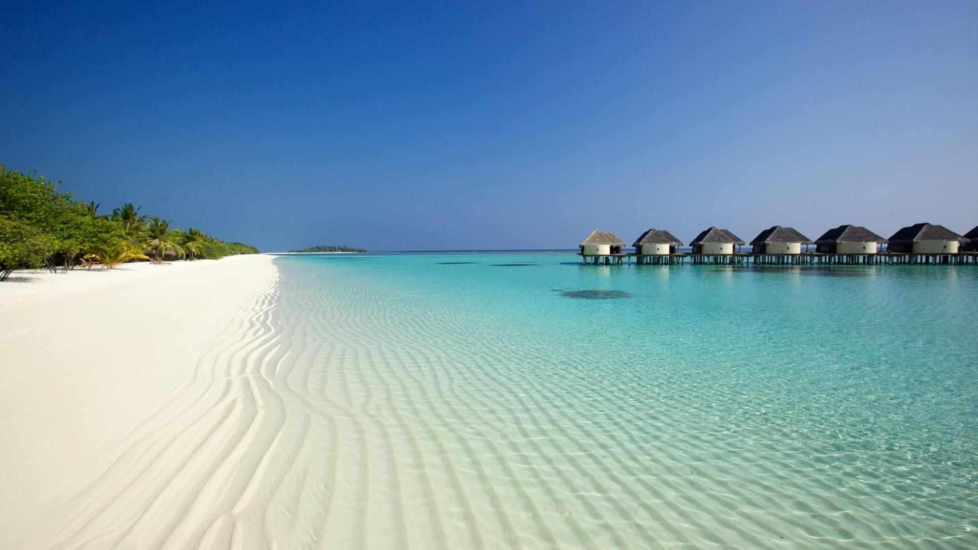 Kanuhura_Beach_19-1599×1066-8726712a-afea-498e-9fe9-6981e681aa0f