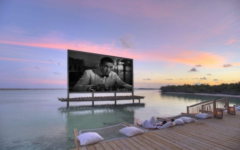 Cinema-Paradiso-at-Soneva-Jani-by-Stevie-Mann-1600×1000